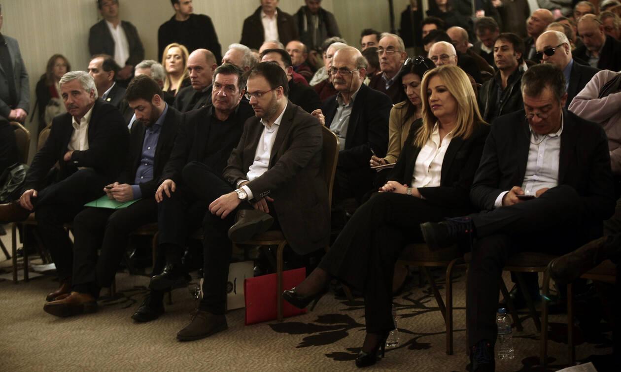 Μπάχαλο η Κεντροαριστερά: Ψάχνουν στέγη τα «ορφανά» - Φλερτάρει με το Ποτάμι ο Θεοχαρόπουλος