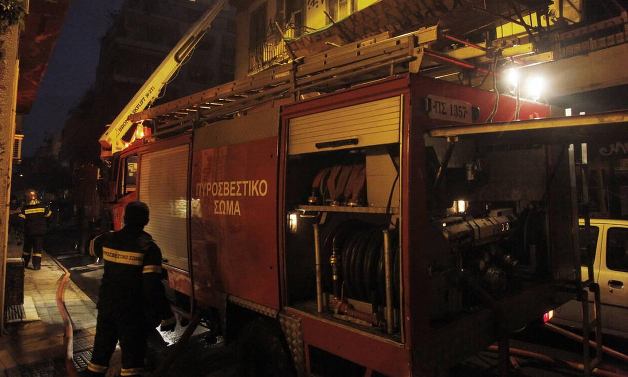В Афинах в районе Сеполия в результате пожара в заброшенном здании погиб человек