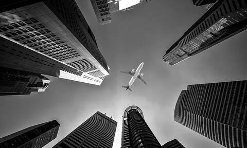 «Θρίλερ» σε πτήση: 250 επιβάτες εγκλωβίστηκαν σε αεροπλάνο για 13 ώρες (Pics)