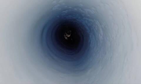 Άνοιξαν μια τρύπα στο πάγο σε μια αρχαία λίμνη – Αυτό που ανακάλυψαν δε θα το ξεχάσουν ποτέ (Vid)