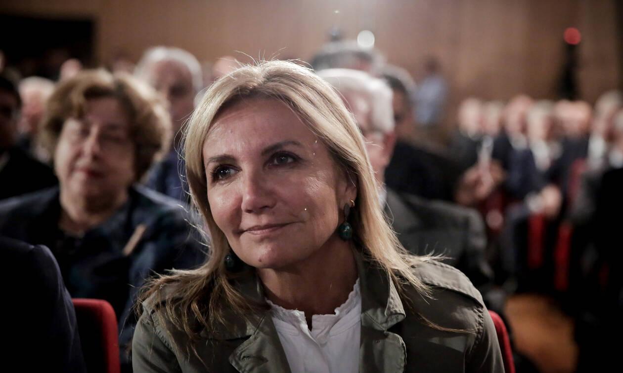 Στο συλλαλητήριο για τη Μακεδονία και η Μαρέβα Μητσοτάκη: «Δακρυγόνα σε οικογένειες, ντροπή!»