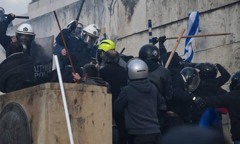 «Γιατί οι Έλληνες δεν μπορούμε να διαδηλώσουμε ειρηνικά;»