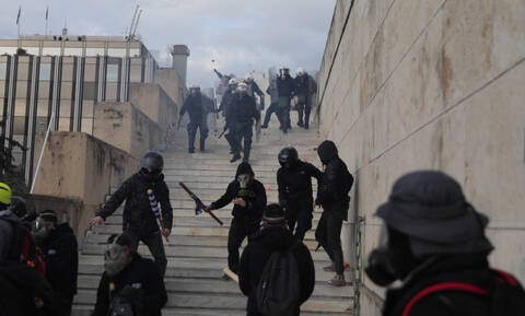 Φωτογραφίες – ντοκουμέντο από τους τραυματισμένους αστυνομικούς στο συλλαλητήριο