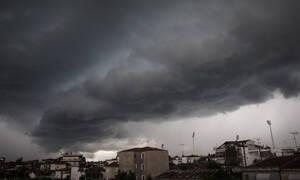 Καιρός ΤΩΡΑ: «Αγριεμένη» η Τρίτη με καταιγίδες, χιόνια και πολλά μποφόρ (pics)