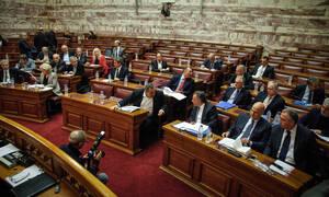 Η μάχη των Πρεσπών στη Βουλή: Όλοι εναντίον όλων και… όποιος σωθεί