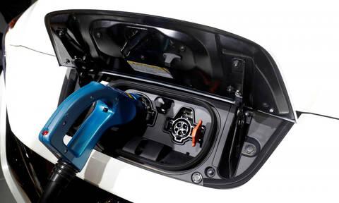 Ποιοι επενδύουν τα περισσότερα χρήματα στα ηλεκτρικά αυτοκίνητα;