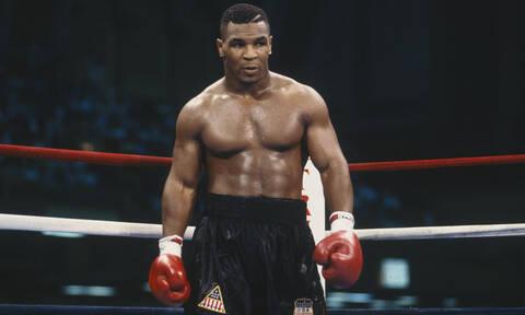 «Ταξιδιώτης του χρόνου» σε αγώνα του Tyson το 1995; (video)