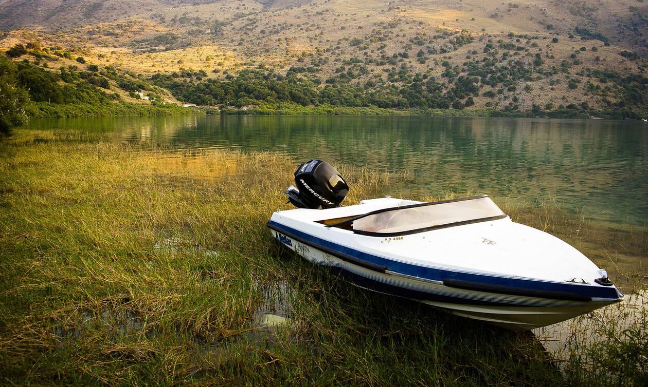 Λίμνη Κουρνά : Πρωινή «πτήση» πάνω από έναν επίγειο παράδεισο της Κρήτης