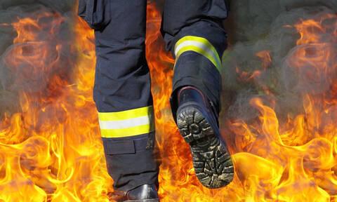 Πυρκαγιά στον Άγιο Νικόλαο: Δύο άτομα στο νοσοκομείο (vid)