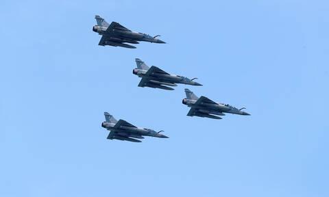 Εικονική αερομαχία πάνω από το Αιγαίο με οπλισμένα τουρκικά αεροσκάφη