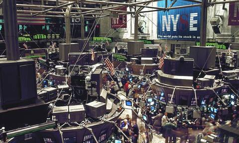 Wall Street: Σημαντικές απώλειες στους δείκτες και στην τιμή του πετρελαίου