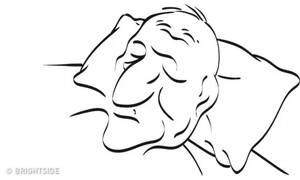 Σε αυτήν τη φωτογραφία κοιμάται μια γυναίκα - Μπορείς να τη δεις; (photo)