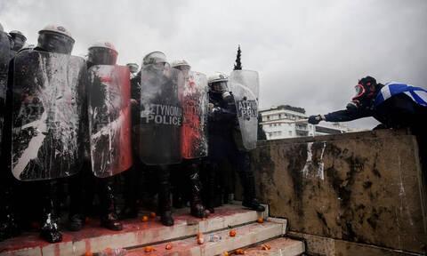 Handelsblatt: Γιατί η διαμάχη για το Μακεδονικό διχάζει τόσο βαθιά την Ελλάδα