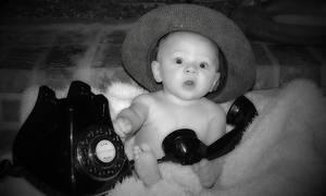 «Μη με ενοχλείτε, μιλάω στο τηλέφωνο» - Δείτε το ξεκαρδιστικό βίντεο