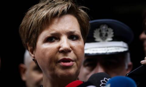 Γεροβασίλη: Αστυνομικοί ήταν οι κουκουλοφόροι στη Βουλή στο συλλαλητήριο για τη Μακεδονία (vid)