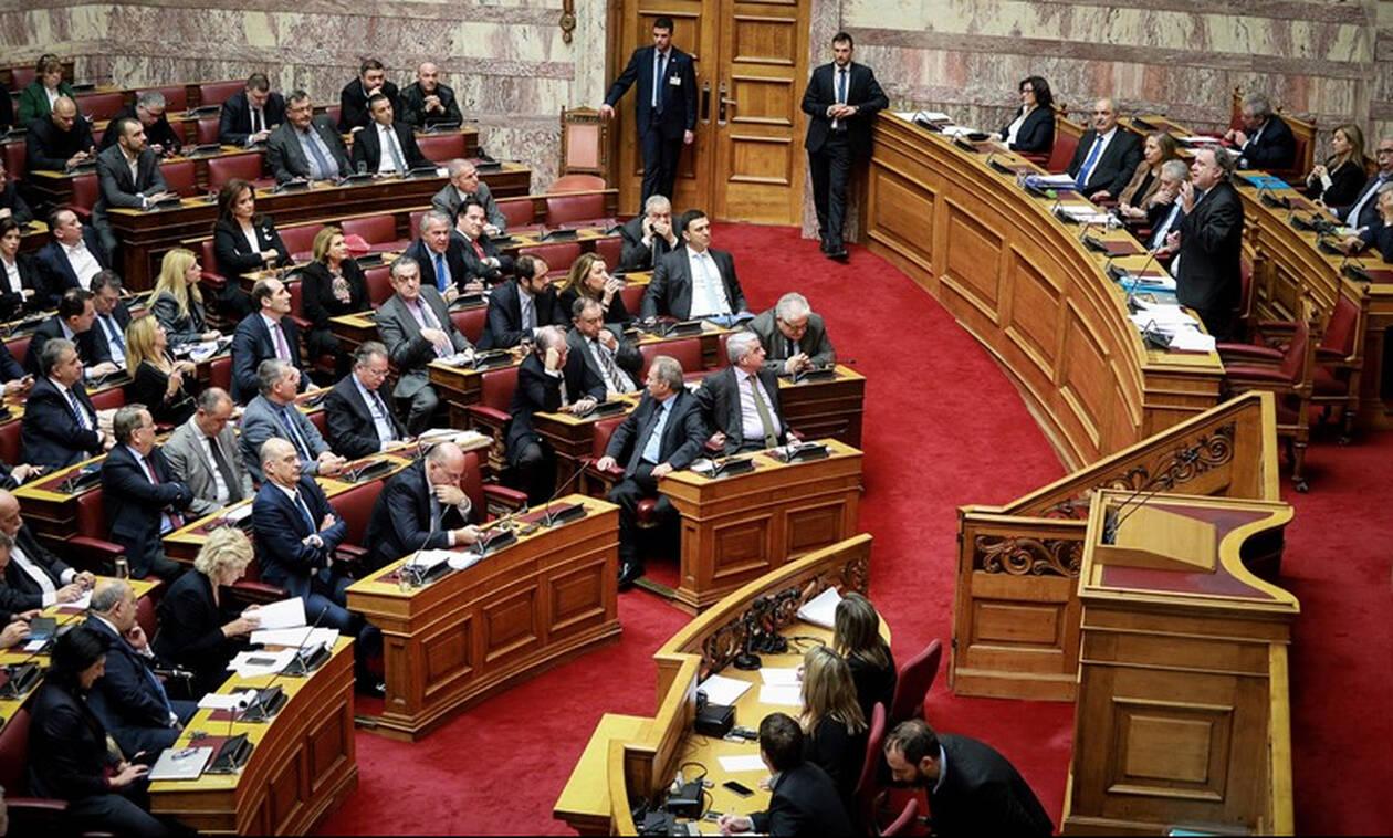 Δεν ξανάγινε: Δείτε γιατί ο ΣΥΡΙΖΑ χειροκρότησε τη ΝΔ μέσα στη Βουλή