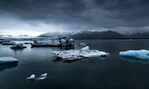 Ανταρκτική: Πλοίο προσέκρουσε σε παγόβουνο (vid)