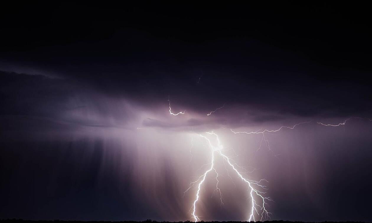 Τρίκαλα: Ανεβαίνουν οι στάθμες των ποταμών από τις έντονες βροχοπτώσεις (pics+vid)