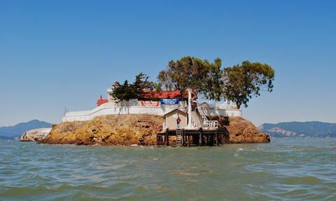 Ταξίδι... διαρκείας: Πώς να ζήσετε σε αυτό το νησί και να πληρώνεστε (vid)
