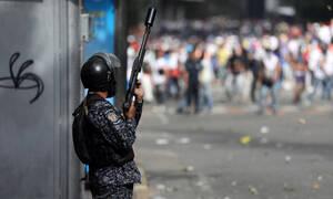 Χάος στη Βενεζουέλα: Στο αίμα πνίγηκε η απόπειρα πραξικοπήματος για την ανατροπή του Μαδούρο