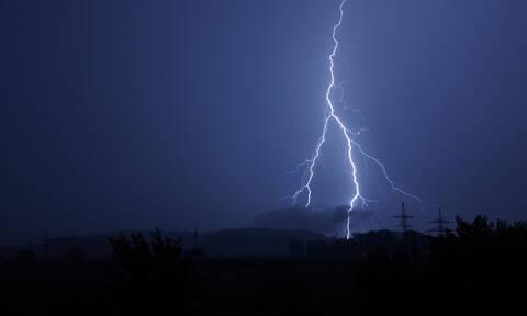 Ο «Φοίβος» τρομάζει την Ηλεία - Σε ετοιμότητα οι Αρχές (vids)