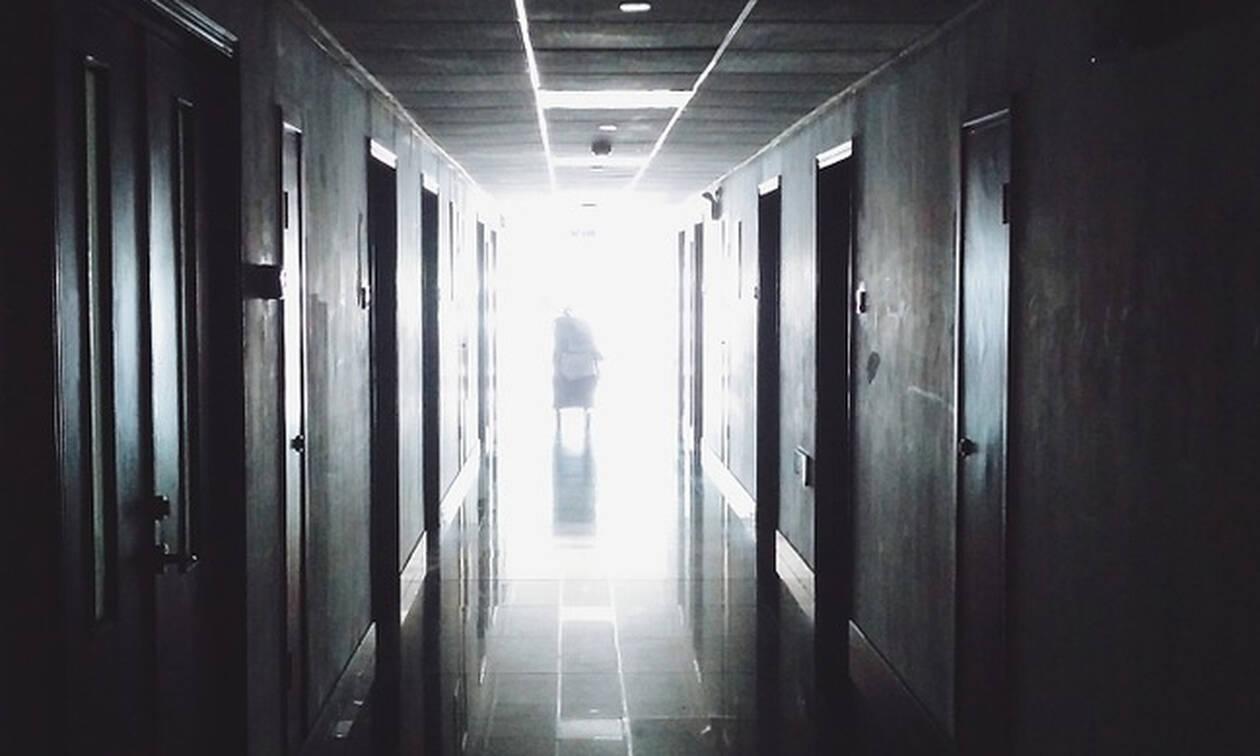 ΣΟΚ στην Κέρκυρα: Είχαν αφήσει στο νοσοκομείο ασθενή, γυμνό και δεμένο (vid)