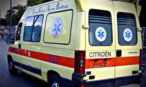 Εύβοια: Συγκλονιστικές εικόνες από την διάσωση αστέγου - Στο νοσοκομείο σε κρίσιμη κατάσταση (pics)