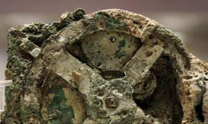 Αποκαλύφθηκε τι λένε οι επιγραφές στο εσωτερικό του μηχανισμού των Αντικυθήρων