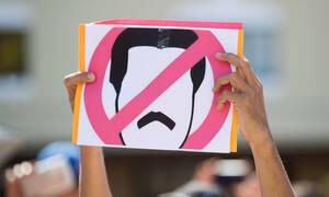 Χάος στη Βενεζουέλα: «Να μη χυθεί άλλο αίμα» - Υπόσχονται αμνηστία στον Μαδούρο - Δείτε φωτογραφίες