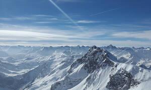 Τραγωδία στις Άλπεις: Σύγκρουση τουριστικού αεροπλάνου με ελικόπτερο - Πέντε νεκροί