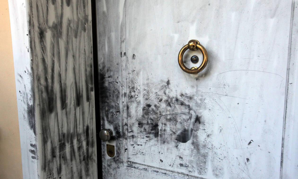 Άρχισε η δίκη των ληστών με το σίδερο: Συγκλονίζει η κατάθεση της 86χρονης από την Κυψέλη