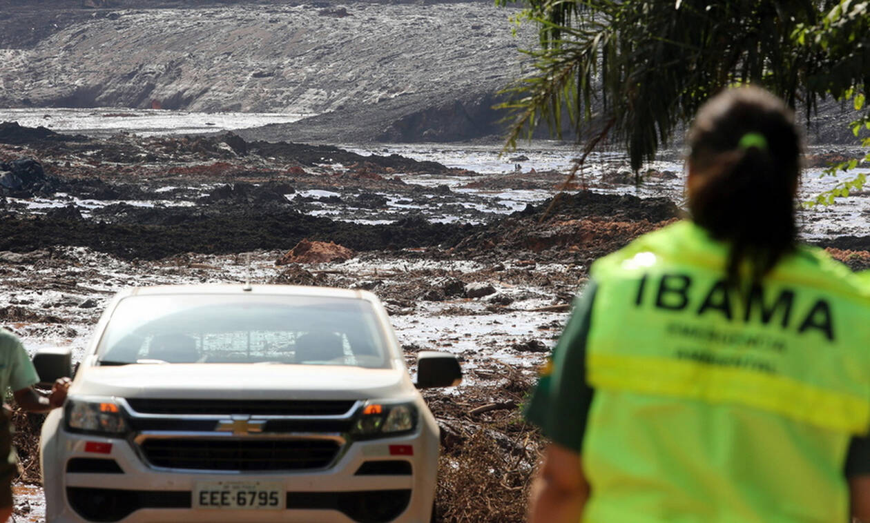 Brazil dam collapse: 'Little hope' of finding missing alive