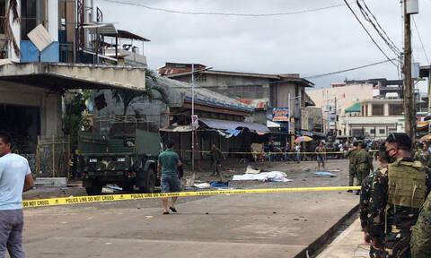 Φιλιππίνες: Δεκάδες νεκροί σε διπλή βομβιστική επίθεση σε εκκλησία