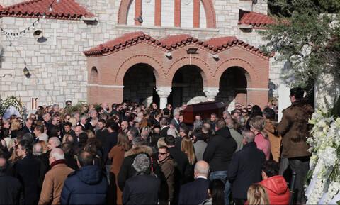 Κηδεία Θέμου Αναστασιάδη: Ήταν όλοι τους εκεί (pics&vid)