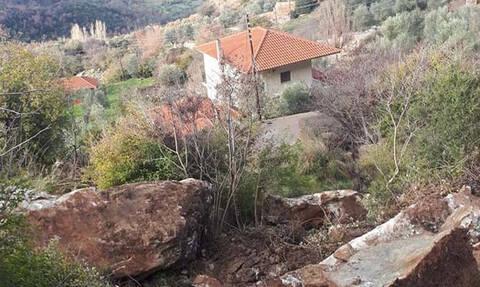Εικόνες ΣΟΚ στην Ηλεία: Εκκενώθηκαν σπίτια λόγω κατολίσθησης