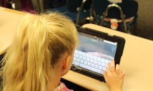 Social media: Έτσι θα προστατέψετε τα παιδιά σας από τους κινδύνους του Διαδικτύου