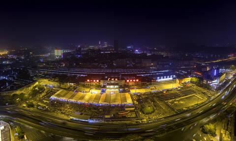 Κινέζικη Πρωτοχρονιά: Πυρετώδεις προετοιμασίες για την πιο εντυπωσιακή γιορτή στον κόσμο! (pics)