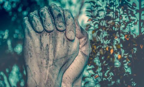 Ήταν ζευγάρι για 70 χρόνια και πέθαναν χέρι – χέρι με διαφορά ενός λεπτού (photos)