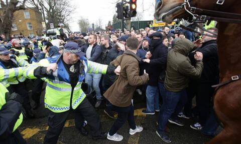 Σοκάρει η εικόνα του προσώπου του μαχαιρωμένου οπαδού της Έβερτον (photos+videos)