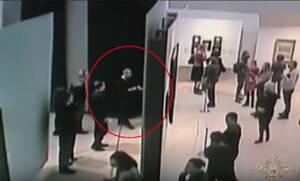 Έφυγε σαν κύριος: Έκλεψε πανάκριβο πίνακα Εληννορώσου ζωγράφου μπροστά στα έκπληκτα μάτια όλων