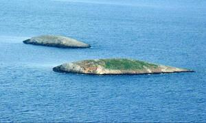 Πρόκληση των Τούρκων στα Ίμια - Ανέβασαν φωτογραφίες στη Google πάνω στις νησίδες