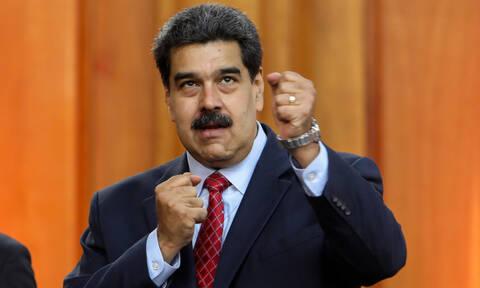Ραγδαίες εξελίξεις - Βενεζουέλα: Οι ΗΠΑ «ρίχνουν» τον Μαδούρο με σαρωτικές κυρώσεις