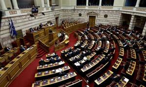 Αναθεώρηση του Συντάγματος: Ο ΣΥΡΙΖΑ λέει «ναι» σε συμπληρωματική πρόταση της ΝΔ