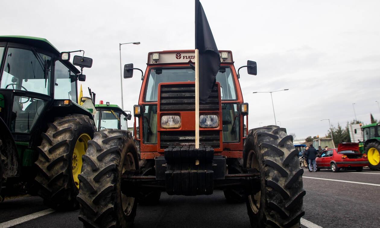 Λάρισα: Κατηγορούμενοι 10 αγρότες από το πρώτο 24ωρο των κινητοποιήσεων