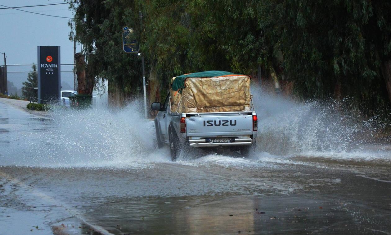 Άνοιξαν οι ουρανοί: Σε αυτές τις περιοχές έριξε την Τρίτη την περισσότερη βροχή (pics)