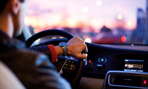 Δίπλωμα οδήγησης σε πέντε μέρες και με 15 ευρώ: Δείτε όλες τις αλλαγές στο νομοσχέδιο που κατατέθηκε