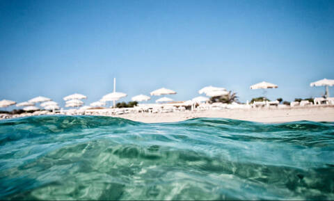 Ξαναμμένα ζευγάρια καταστρέφουν διάσημη παραλία κάνοντας σεξ στους αμμόλοφους (photo)