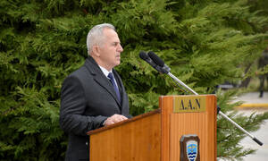 Το υπουργείο Άμυνας επιβεβαιώνει την πρόσκληση Ακάρ στον Αποστολάκη