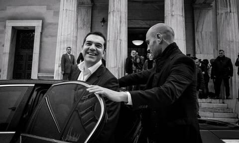 Κατώτατος μισθός: «Πόσο σανό μπορεί να αγοράσει μια κυβέρνηση με 650 ευρώ;»