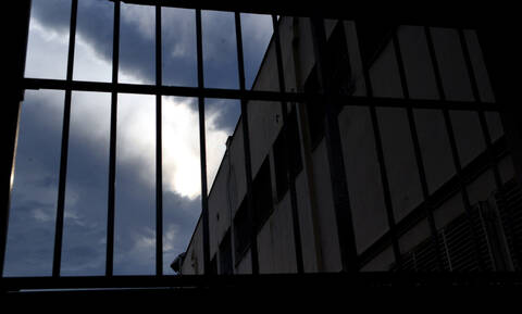 Κως: Στη φυλακή 50χρονη που κατηγορείται για αρπαγή 13χρονης